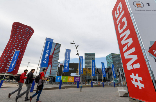Take a Tour of the Phones at Mobile World Congress 2015