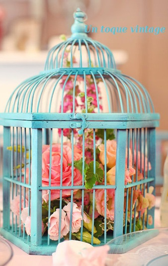 Un toque vintage jaulas vintage bird cage for Decoracion con jaulas
