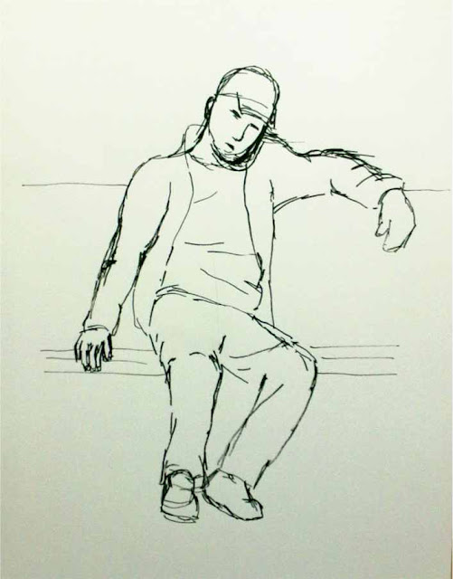 apunte con tinta china de figura sentada