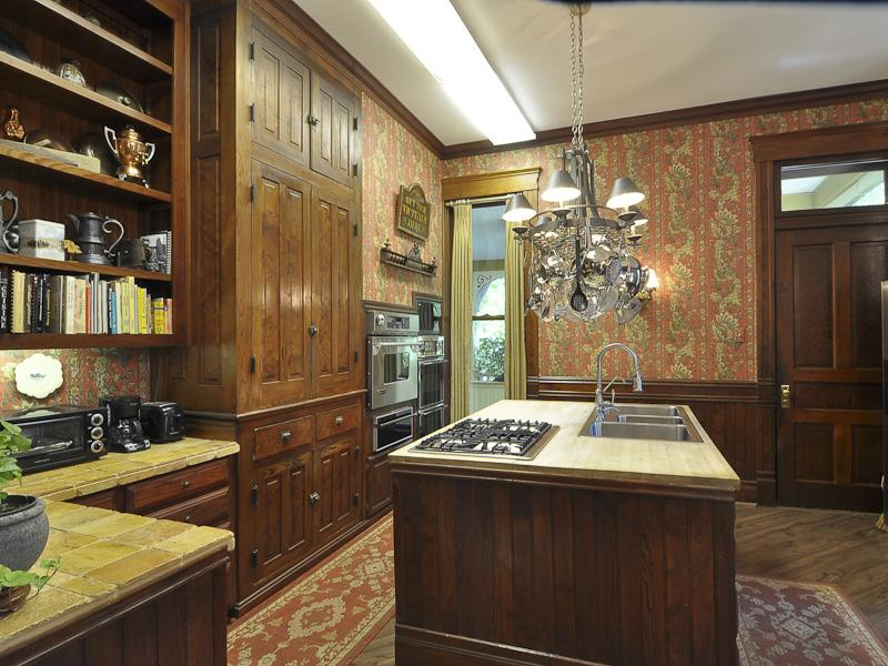 Old World, Gothic, and Victorian Interior Design: May 2012