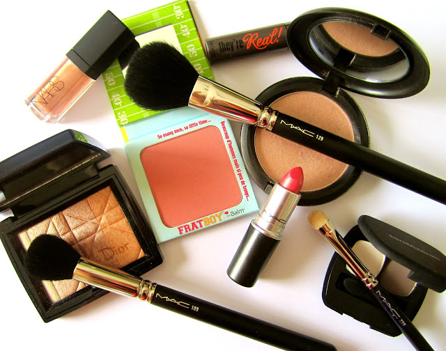 makeup photography wallpaper favourite products