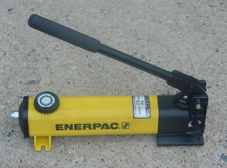 ENERPAC P-141 HYDRAULIC HAND PUMP 10000 PSI