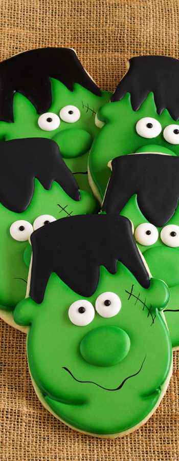 Easy Frankenstein Cookies via The Bearfoot Baker