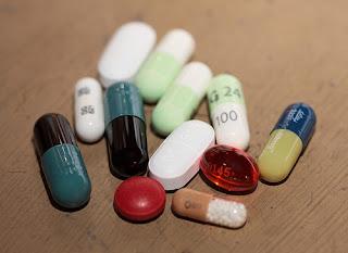 Perigo: Anti-inflamatórios aumentam risco de doenças cardíacas, diz estudo