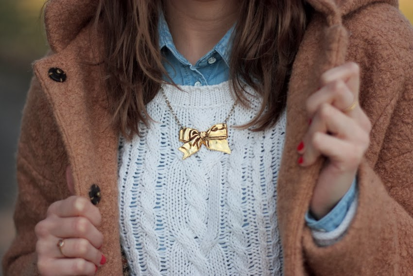 zara-coat-camel-bow-necklace