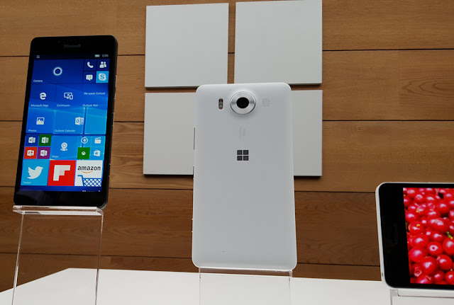 Microsoft Lumia 950 Unboxing Review