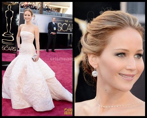 atriz que caiu no Oscar 2013
