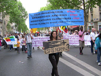 PRIMEIRA MANIFESTAÇÃO EM PARIS