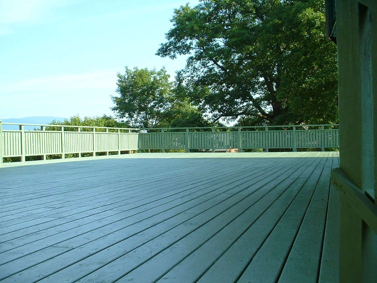 Saugerties NY deck staining and restoration