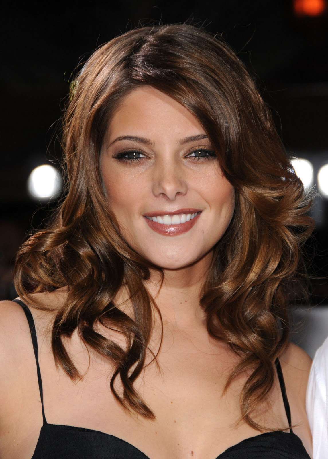 http://2.bp.blogspot.com/-IP9Q0OparYI/T6DCxv5gq_I/AAAAAAAAKS8/IQNQZ0jAS9w/s1600/foto-ashley-greene-17.jpg