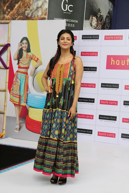 Shruti Haasan Looks Smoking Hot At Haute Curry Collection Launch For Shoppers Stop