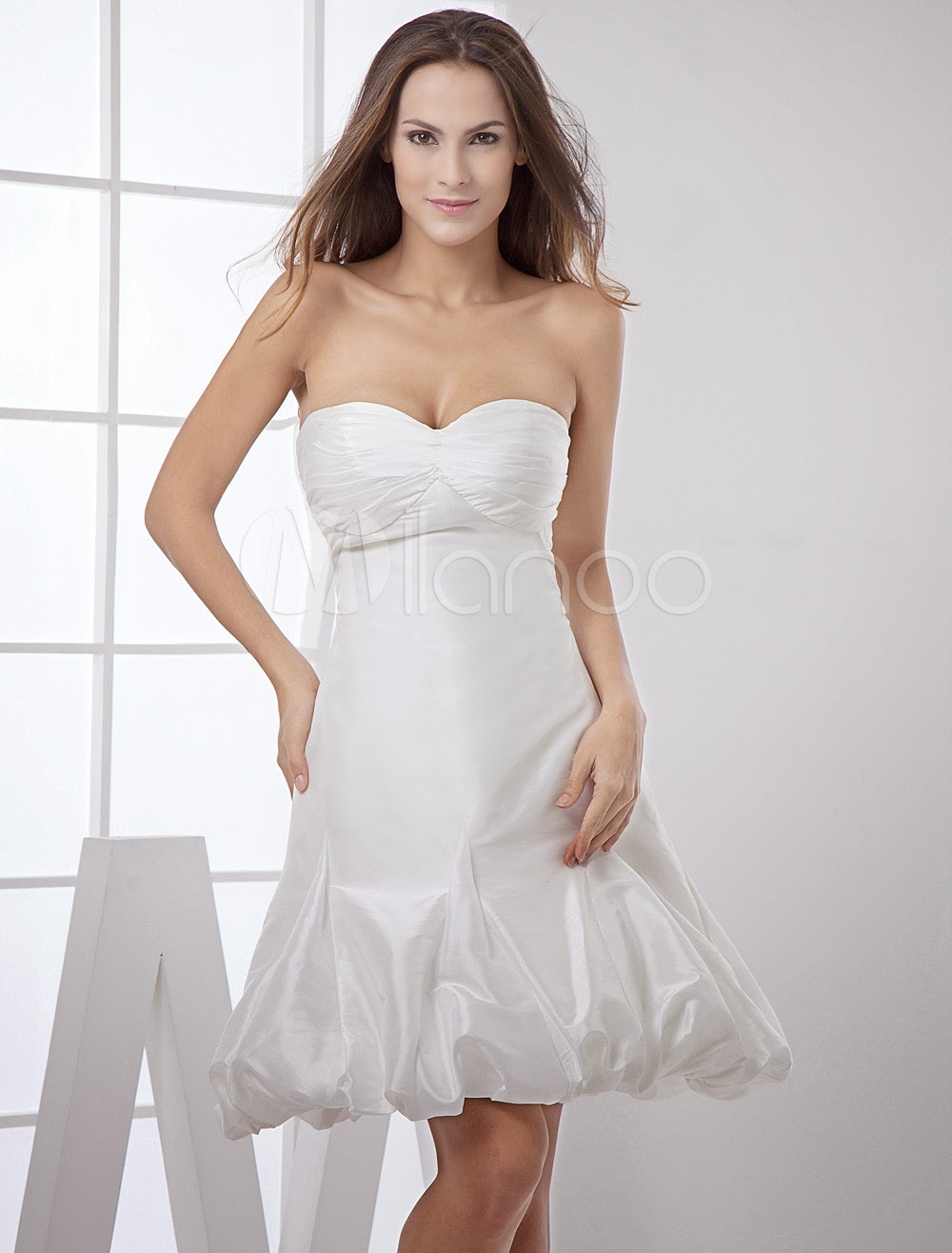 China Wholesale Dresses - Cute Strapless Sweetheart Knee Length Beading Taffeta Mini Wedding Dress