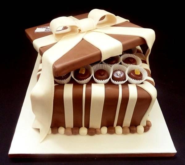 علب وأكواب من الشوكولاته تؤكل image002-779569.jpg