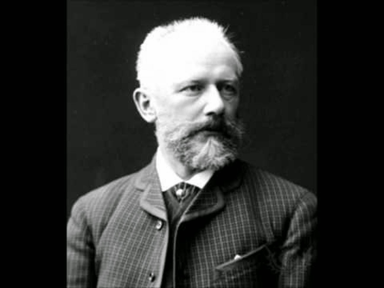 piotr ilytich tchaikovskys 1812 essay Tchaikovsky's family, friends, associates, fellow musicians, writers and correspondents places tchaikovsky's visits to 153 towns, villages and cities in europe, asia and north america.