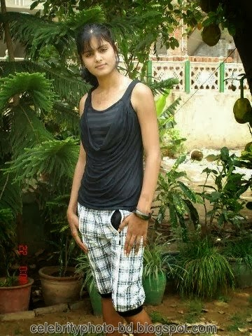 Deshi+girl+real+indianVillage+And+college+girl+Photos045
