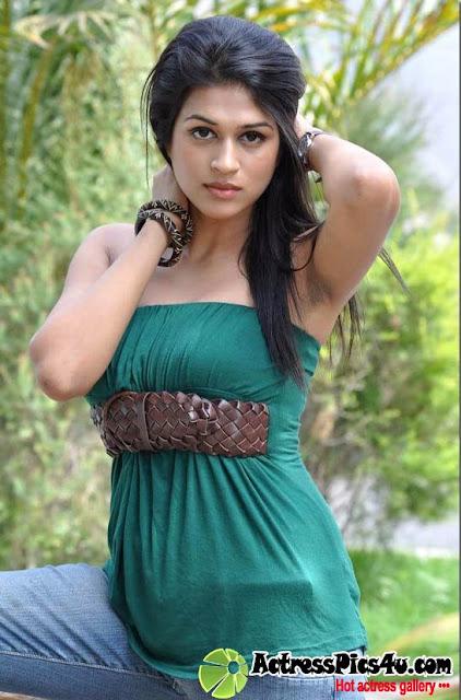 - Shraddha-Das-Hairy-Armpit-Show+6