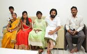 Pawan Kalyan meets Srija n family-thumbnail-7