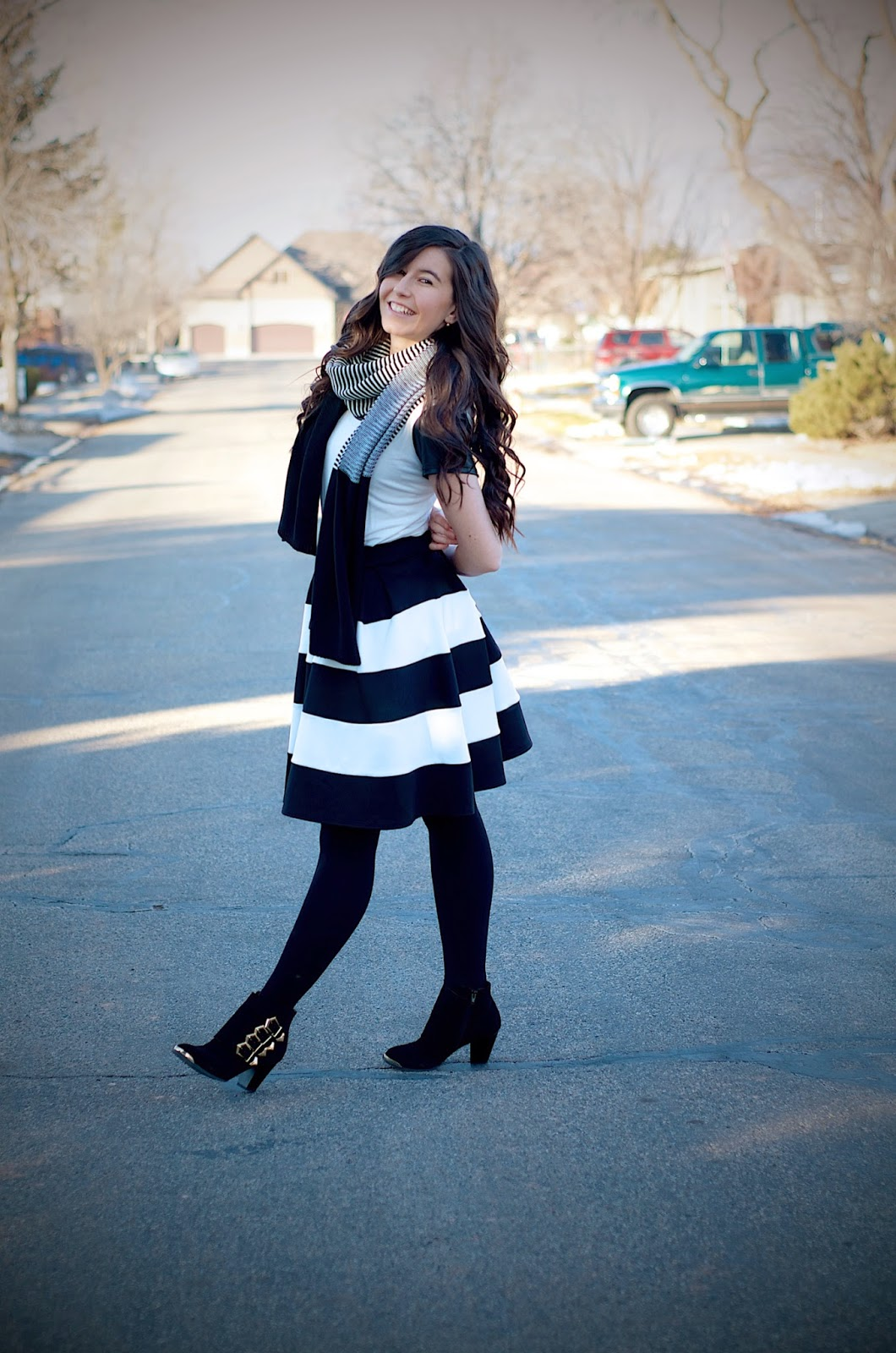 black and white outfit, persunmall, persun mall, scarf, black and white scarf, stripes, windsor store, windsor style, striped skirt, fit and flare, fit and flare skirt,