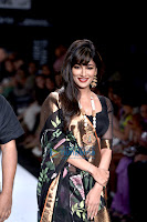 Chitrangda, Singh, sizzling, walks, at, Lakme, Fashion, Week, 2013,