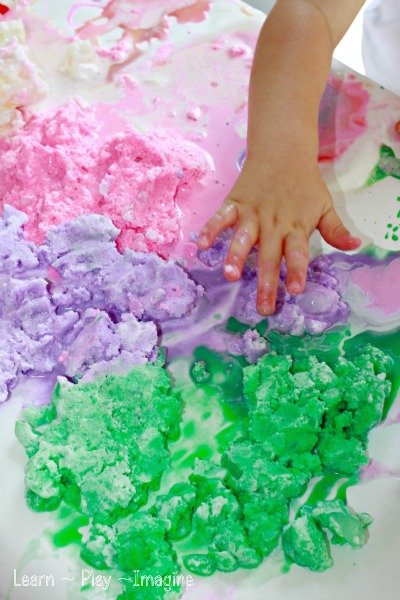 Summer fun sensory play with homemade smoothie paints - why not whip up a batch today?