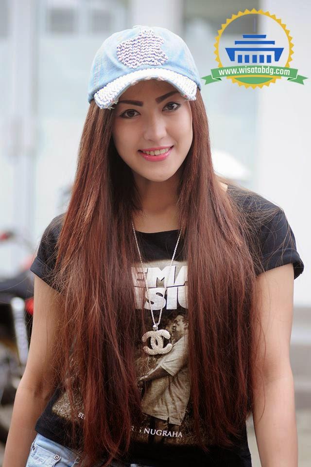 Foto esti Wulandari Pemeran Resti (Gadis Penipu) di Sinetron Preman Pensiun