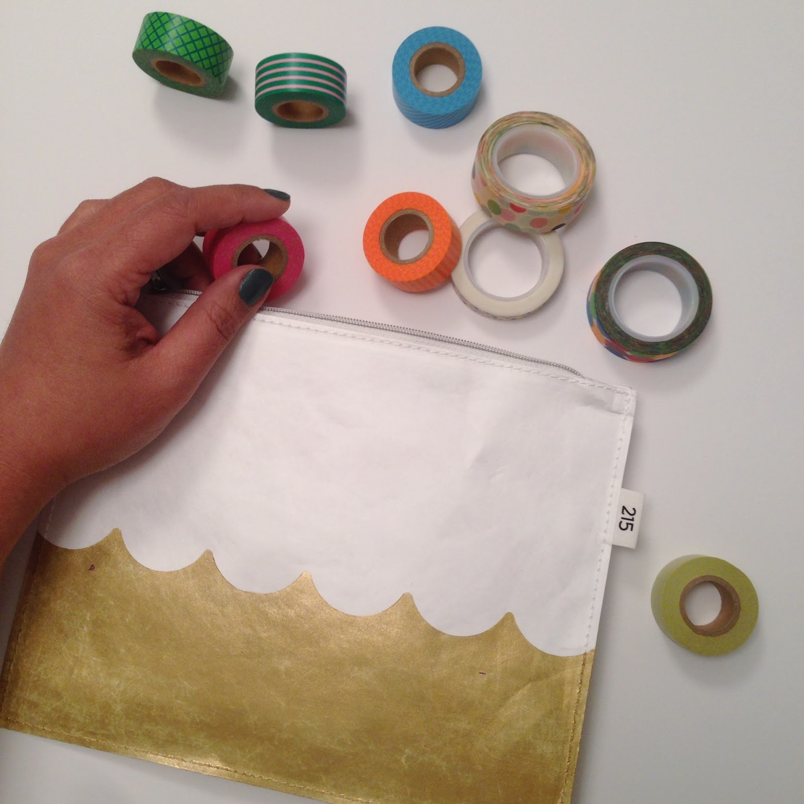 DIY scallop pouch using Frog Tape Scallop pattern