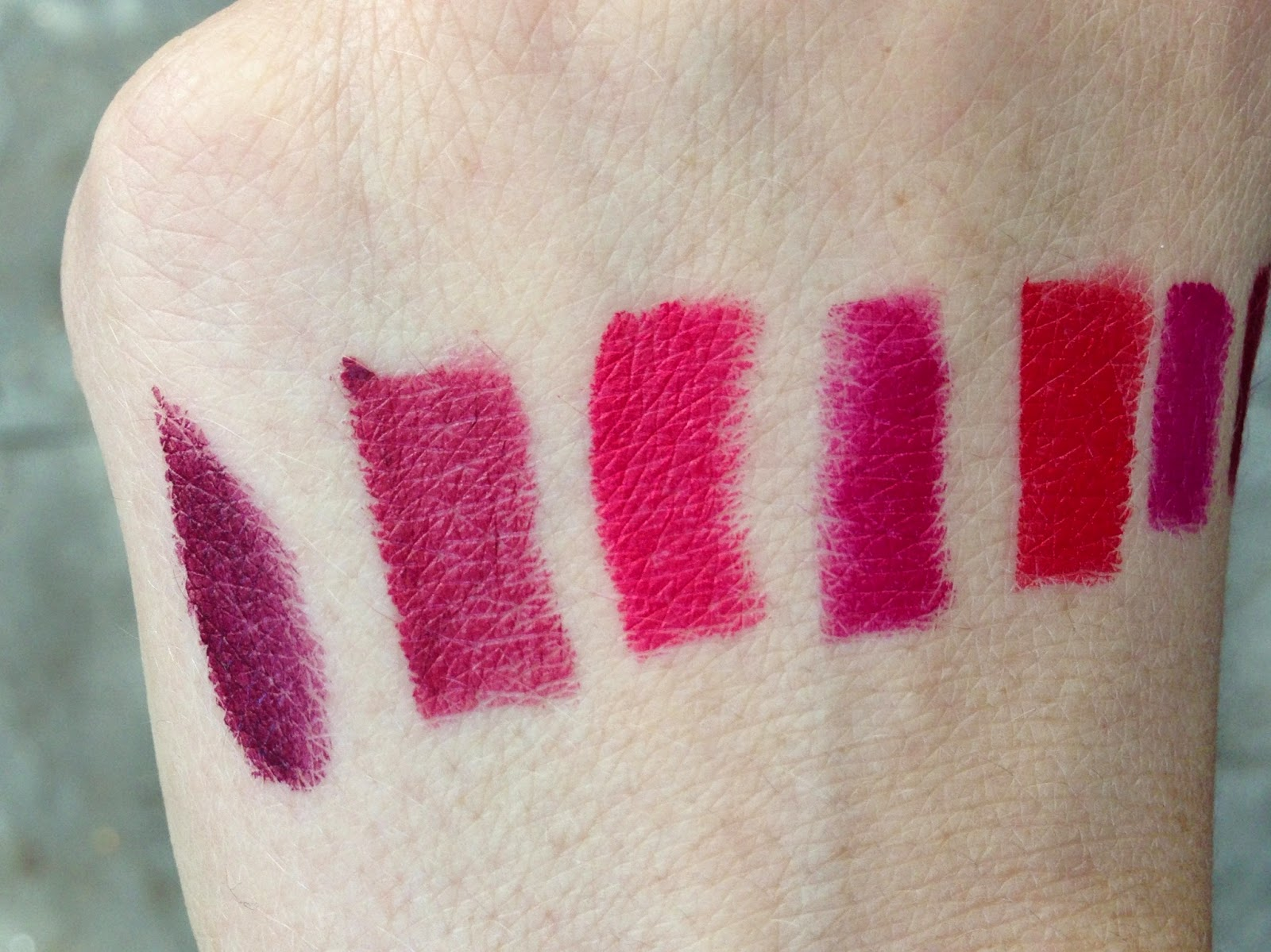 Populaire auxiliary beauty: NARS Audacious Lipstick Swatches and the Allure  AP13