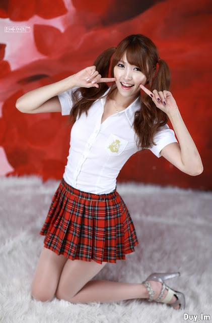 School-Girl-Lee-Eun-Hye-03