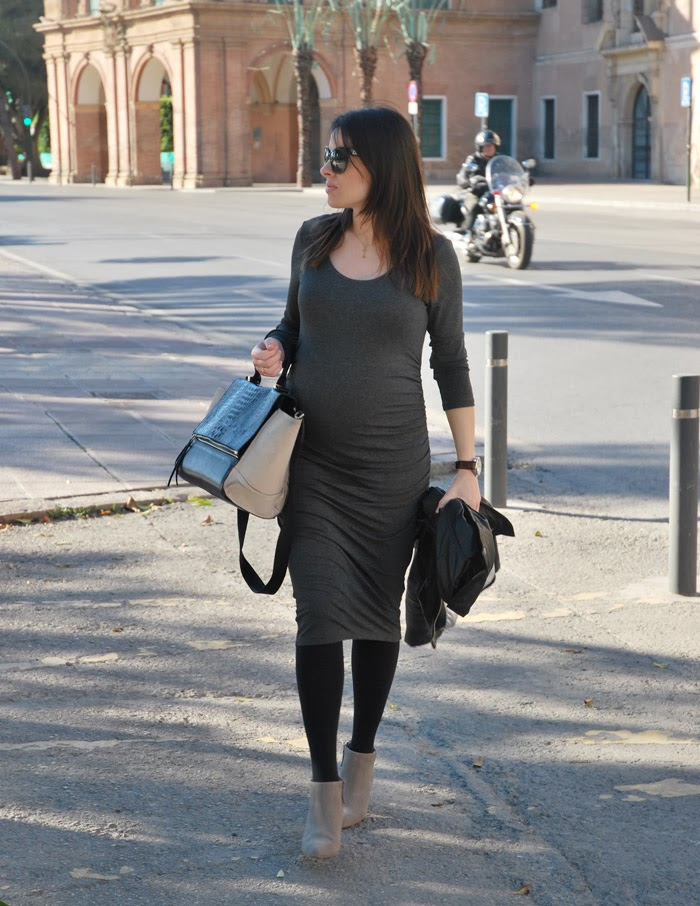 Grey Dress StreetStyle