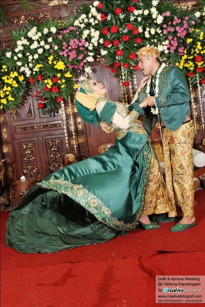 foto pernikahan pengantin lucu dan unik