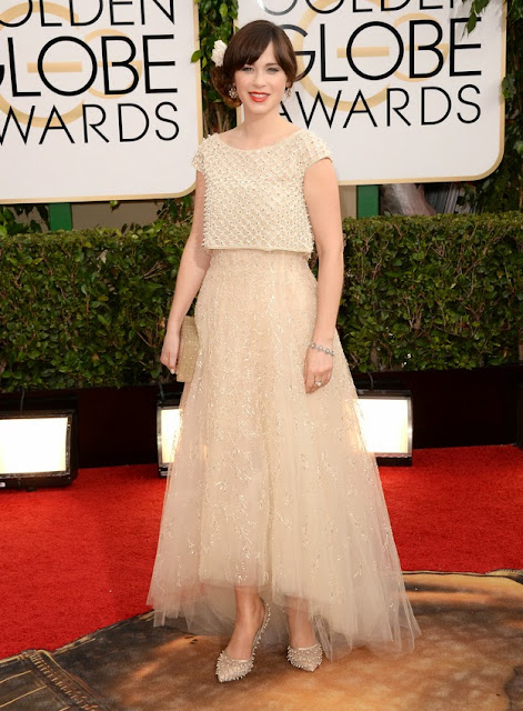 Zooey Deschanel in Oscar de la Renta at the Golden Globes
