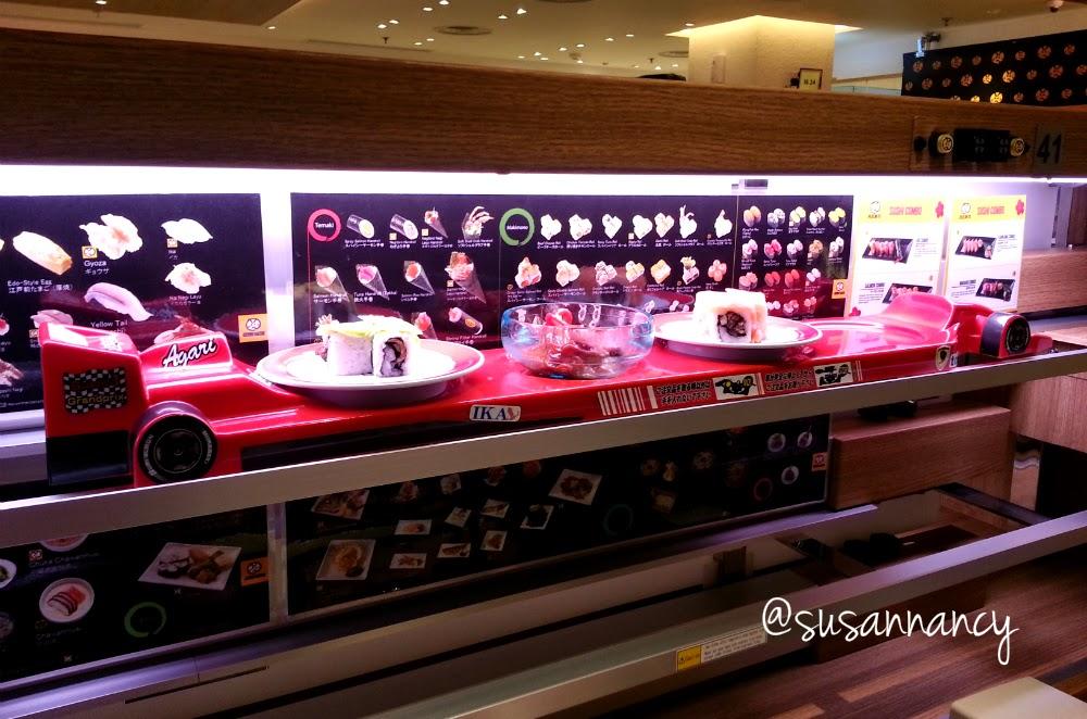 Conveyor belt sushi adalah