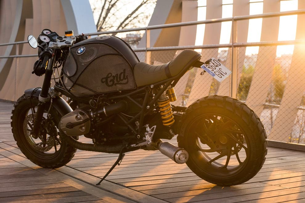 "Custom BMW R1200S | CRD Spanish custom bike Builders Cafe Racer Dreams(CRD) have chosen the most powerful BMW Boxer Motorcycle ""BMW R1200S"" (2007)."