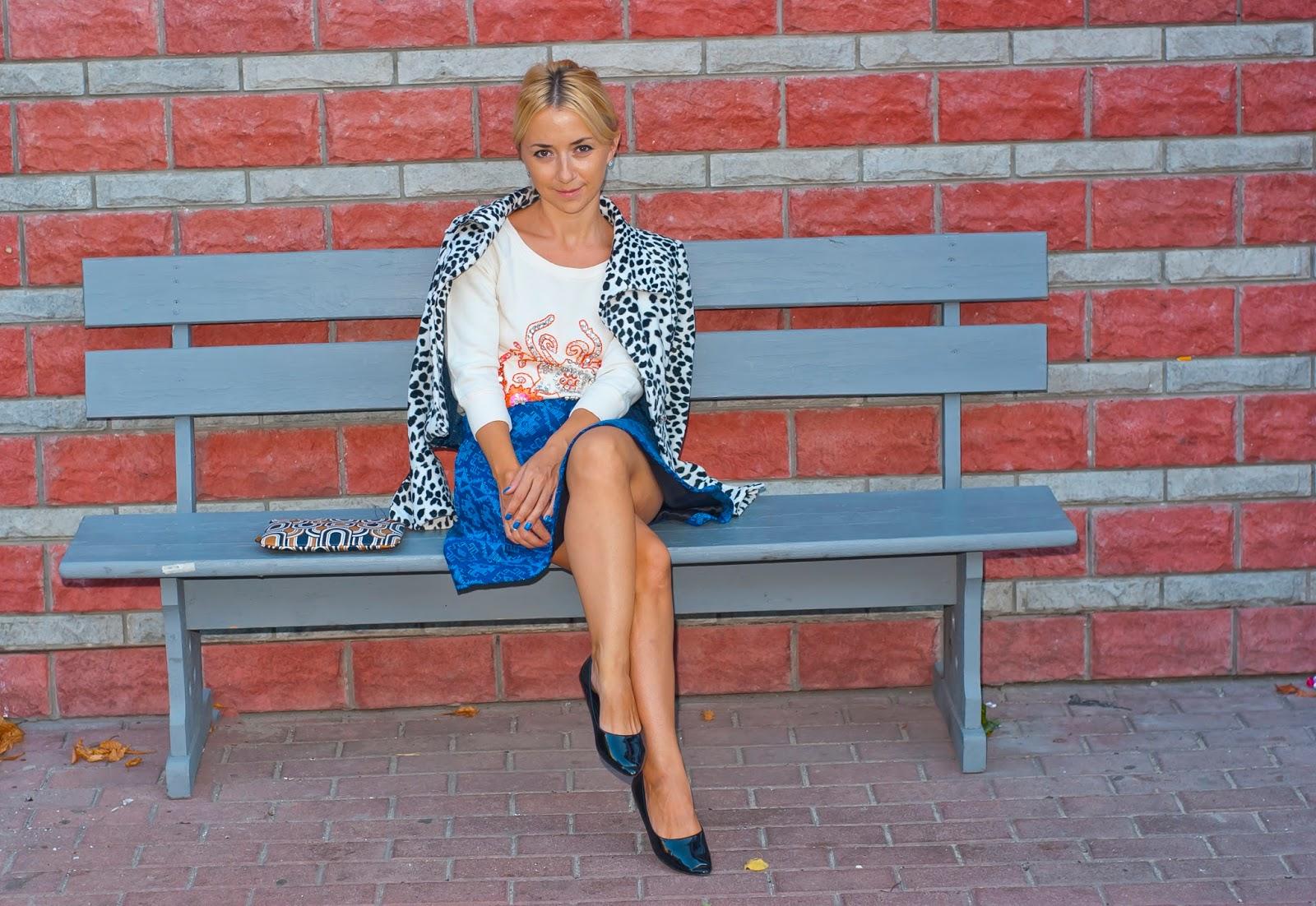 Девушка чулки каблуки юбка фото