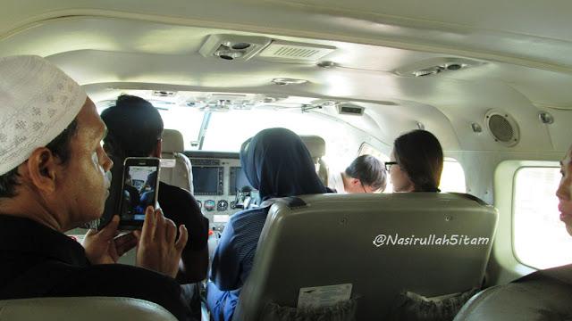 Suasana di dalam pesawat
