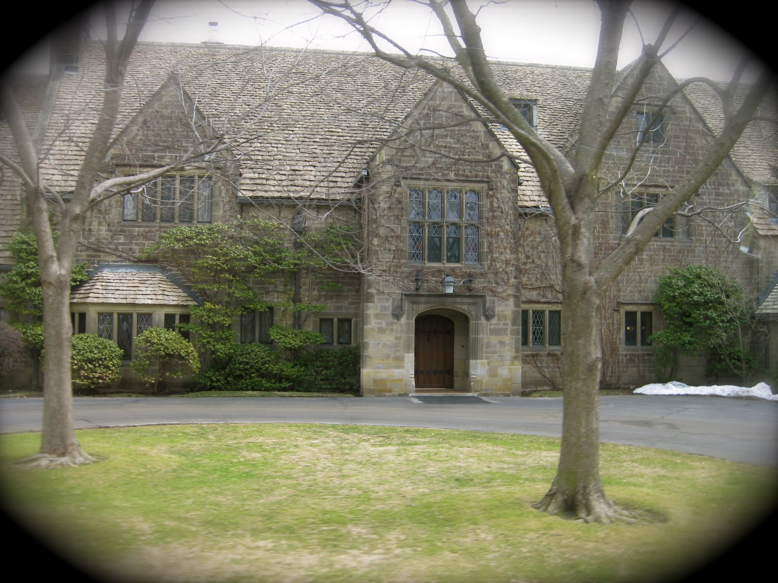 Ford Mansion Grosse Pointe http://www.catsmidwestmayhem.com/2011/03/edsel-and-eleanor-ford-house.html