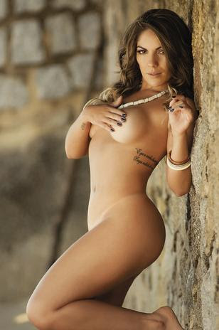 Diosa Canales Nude