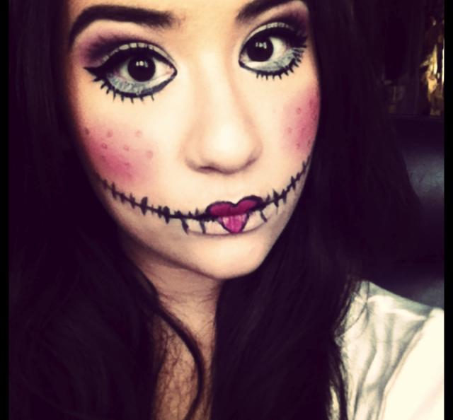 Pin creepy doll make up on pinterest - Halloween schminkideen ...