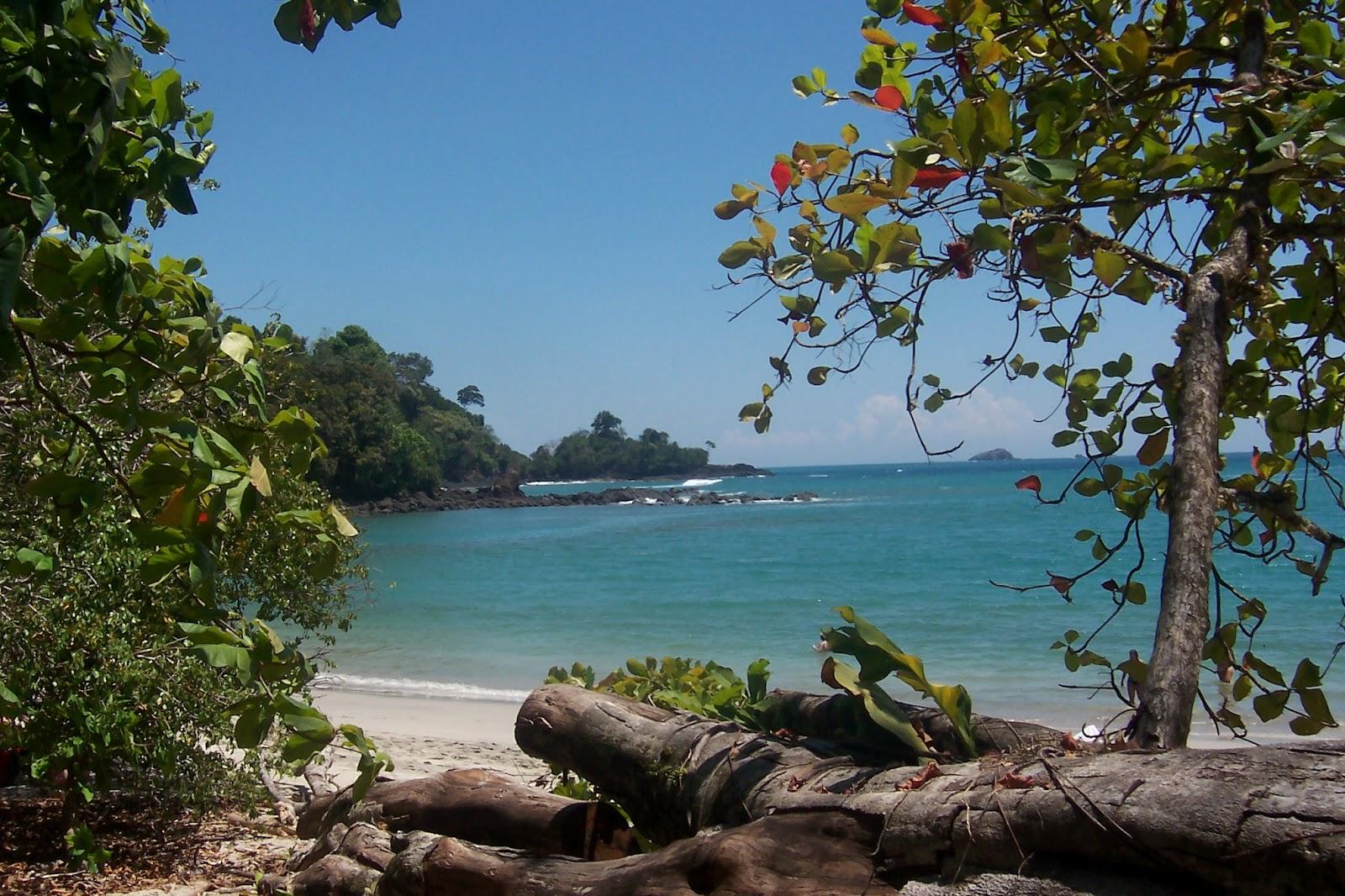 http://2.bp.blogspot.com/-ISW85EjBs-E/T8ytkMy6PFI/AAAAAAAABl4/7kABYjWPiKQ/s1600/Costa-Rica-Beaches.jpg