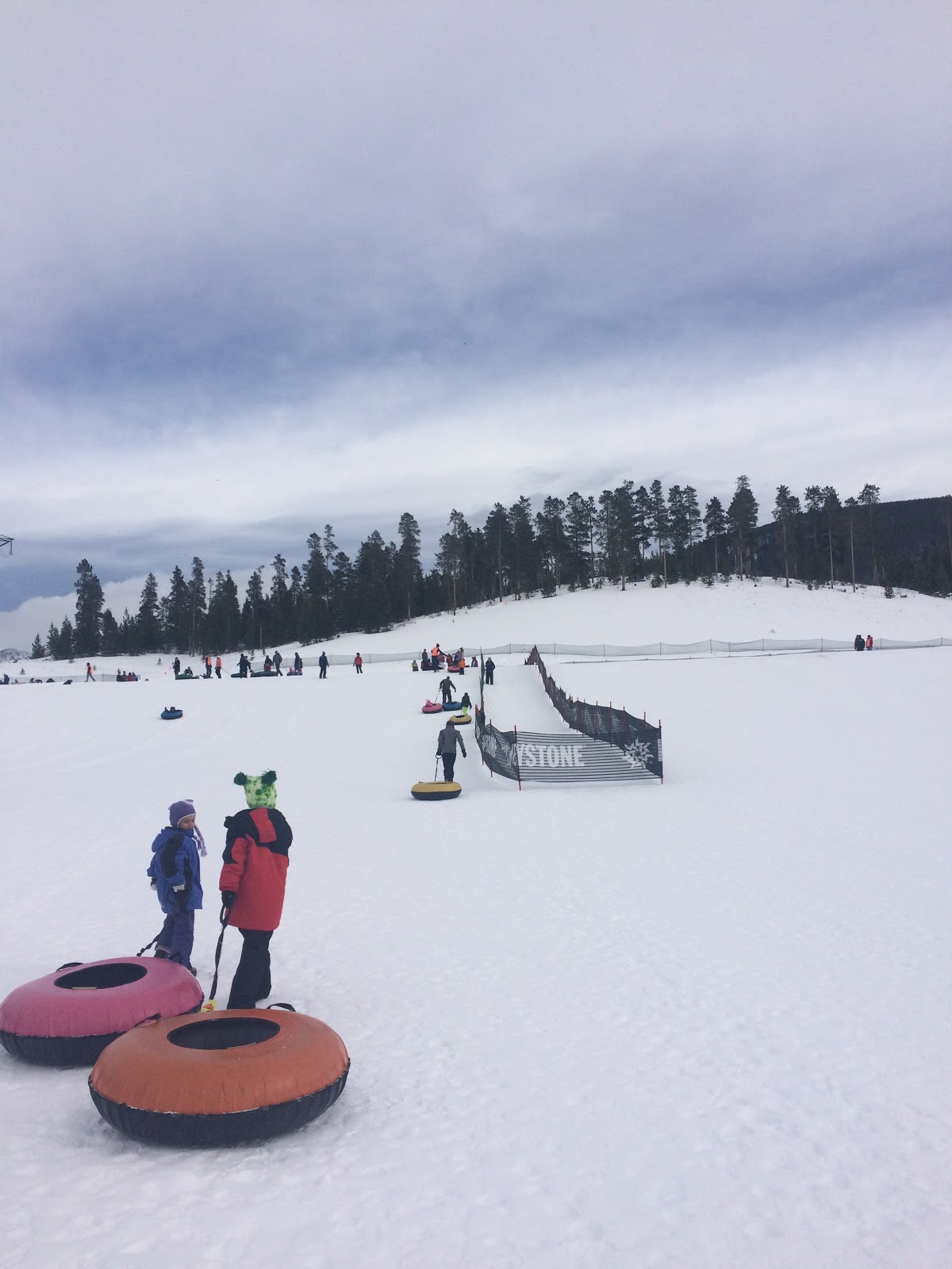 winter park colorado skiing tubing