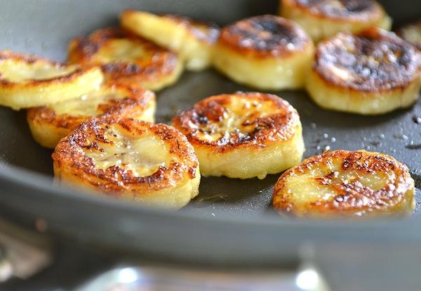 Рецепт банановых сырников с фото