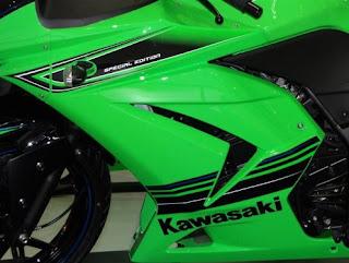 kawasaki ninja r 250, ninja 250r 2012, kawasaki ninja 250R 2012
