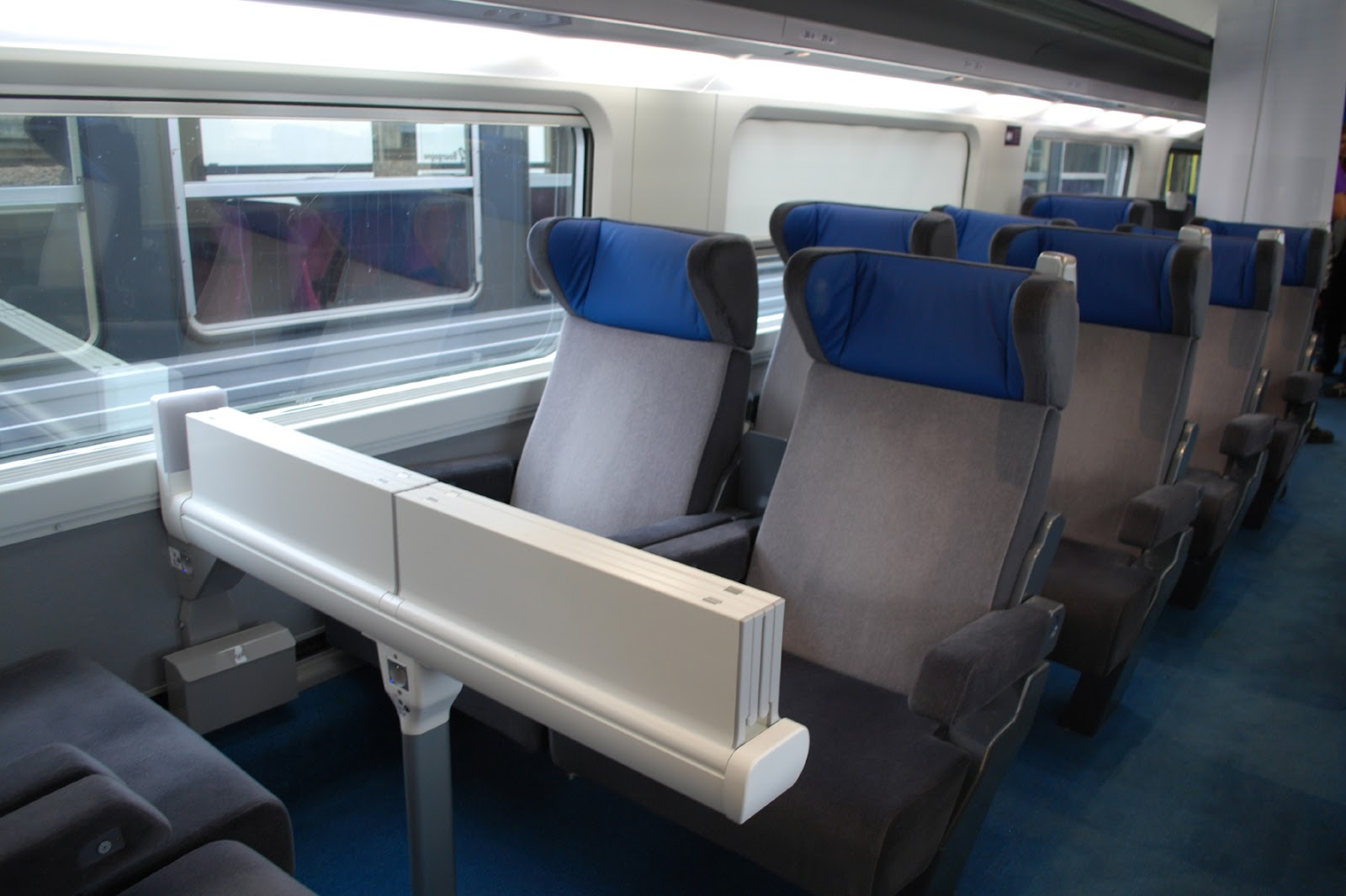 Int rieur tgv carmillon for Interieur tgv