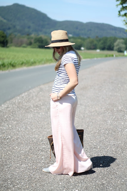 Fashionblogger Austria / Österreich / Deutsch / German / Kärnten / Carinthia / Klagenfurt / Köttmannsdorf / Winter Look / Classy / Edgy / Sommer Summer / Sommer Summer Style 2014 / Sommer Summer Look / Fashionista Look / Streetstyle Klagenfurt Vienna Wien Austria /  Palazzo Pants Beige Rosa New Yorker / Striped Shirt Gestreiftes Shirt H&M / Louis Vuitton Neverful Monogram Canvas MM / Ray Ban Erika Sunglasses Sonnebrille / Espadrilles Espadrij / Golden Watch goldenen Uhr Fossil