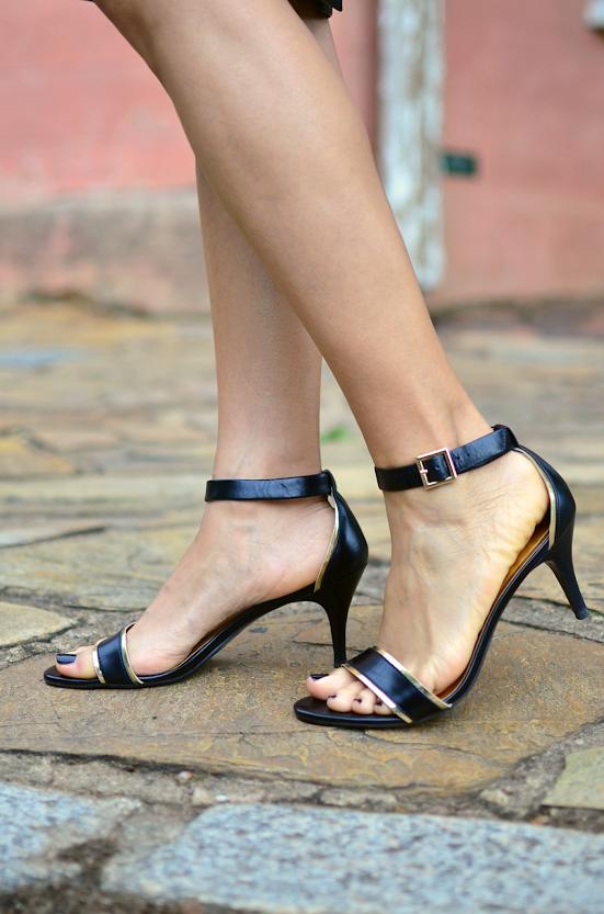 Minimalist sandal kitten heel