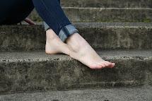 Beautiful Barefoot Girls