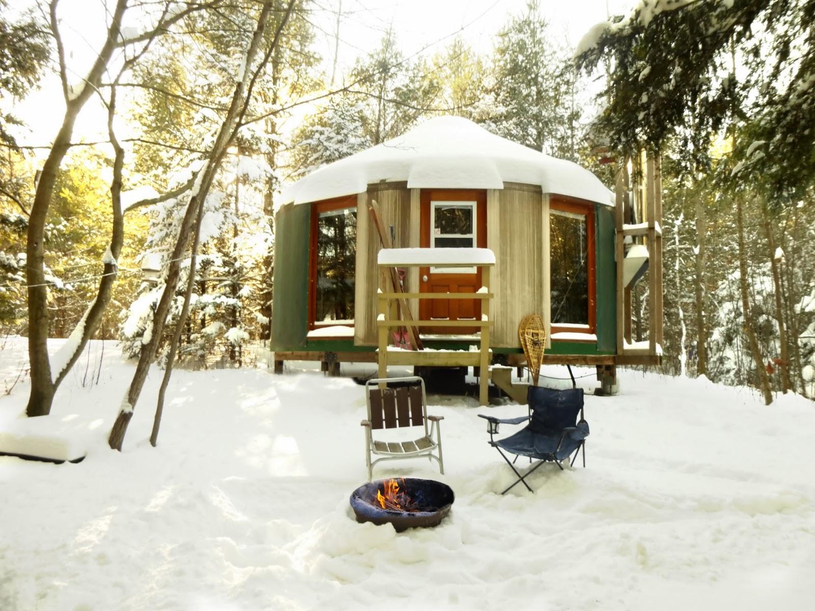 http://tourismecoaticook.qc.ca/fr/details_intervenants.php?id=165&nom=Camping%20du%20Pont%20Couvert%20-%20Yourte