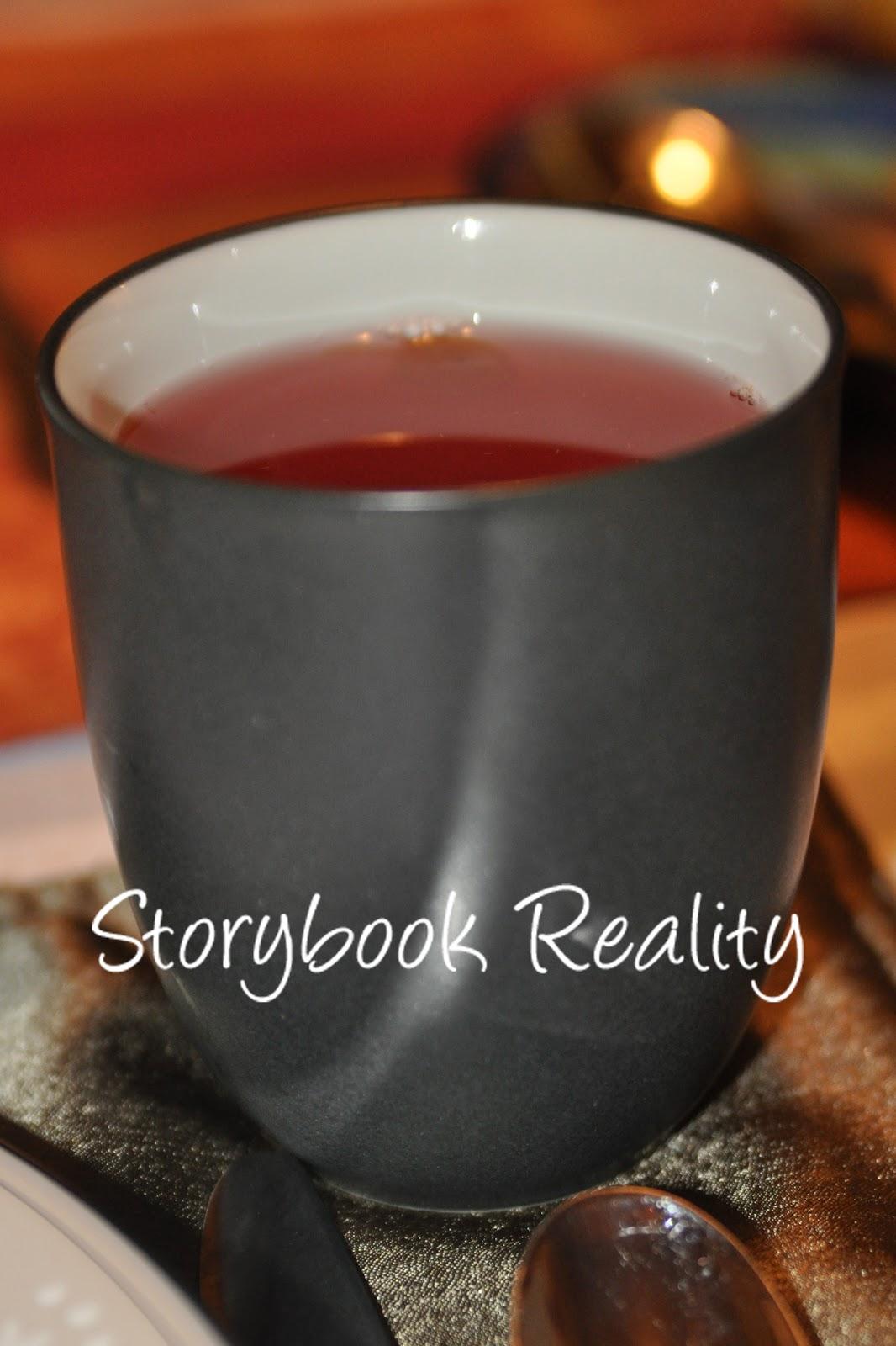 Laura @Storybook Reality: Christmas Cranberry Tea