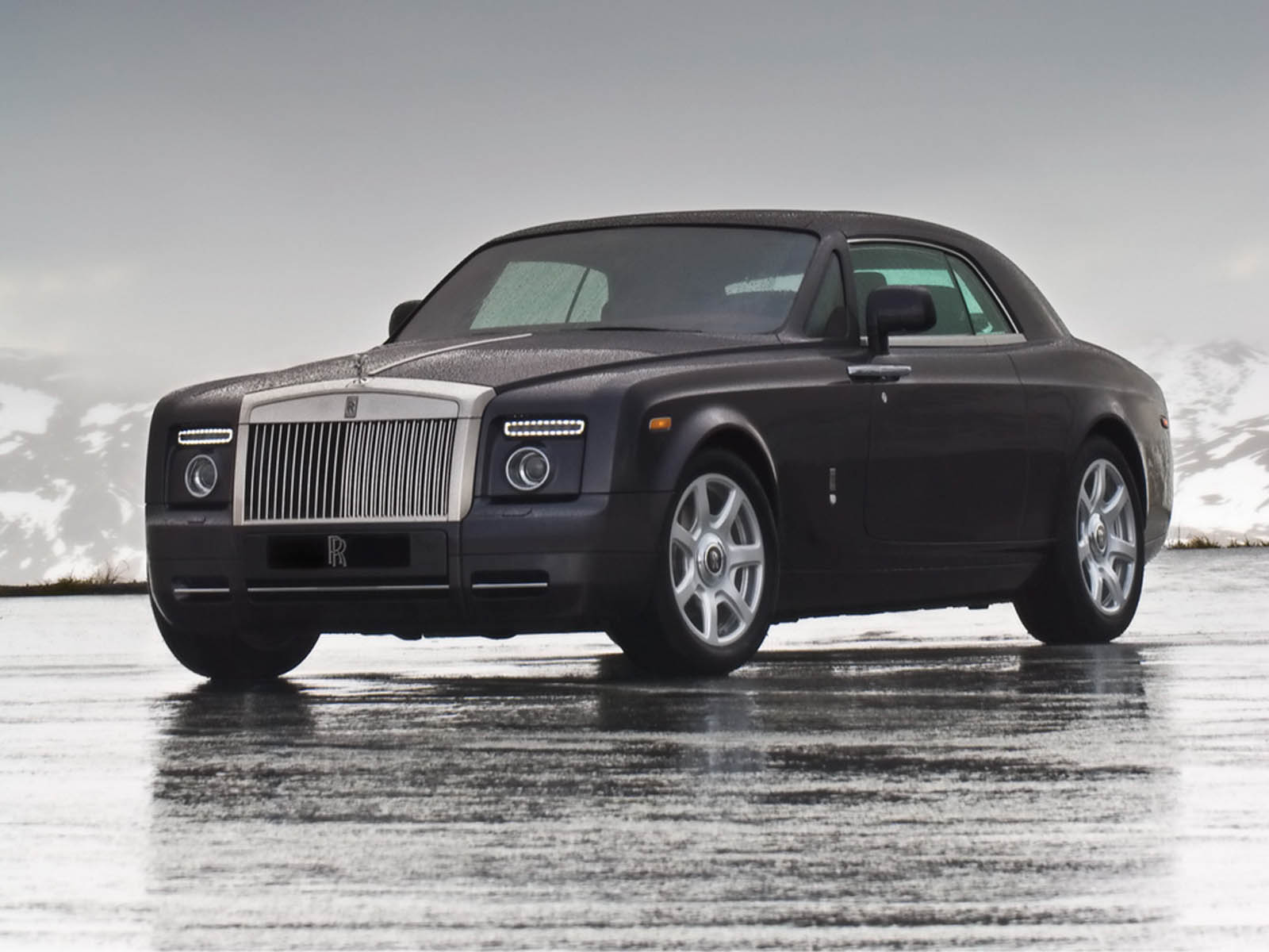 wallpapers rolls royce phantom coupe car wallpapers. Black Bedroom Furniture Sets. Home Design Ideas