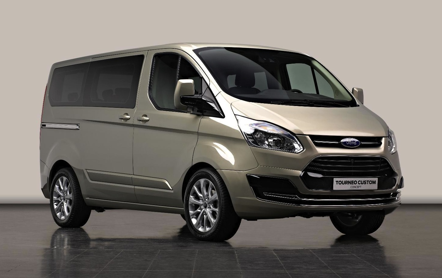 car barn sport ford transit custom 2013. Black Bedroom Furniture Sets. Home Design Ideas